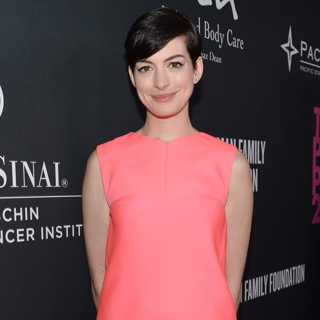Anne Hathaway attended The Pink Party in LA. | Anne Hathaway at the ...