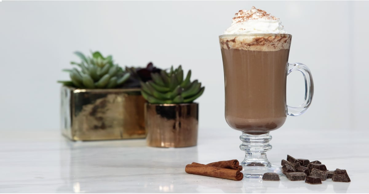 PopsugarLivingFood VideoStarbucks Chile MochaSeptember 16, 2016 by Nicole Iizuka2 SharesChat with us on Facebook Messenger. Learn what's trending across POPSUGAR.Starbucks Chile MochaInspired by StarbucksIngredients1/4 teaspoon ancho chile powder1/8 teaspoon paprika1/8 teaspoon cayenne pepper1/4 teaspoon cinnamon2 teaspoons granulated sugar1/4 cup chocolate chunks1/4 teaspoon spice mixture1/2 cup milk1 tablespoon instant espresso powder2 tablespoons hot waterWhipped creamDirectionsIn a small bowl, mix together ancho chile powder, paprika, cayenne pepper, cinnamon, and granulated sugar. Set aside.Into a mason jar with a lid, add chocolate chunks and 1/4 teaspoon of the spice mixture. Microwave uncovered for 30 to 45 seconds, or until the chocolate has melted slightly. Top with milk and put the lid on the jar. Shake for 60 seconds, or until the milk has foamed up and doubled in size. Remove the lid and microwave for an additional 30 to 45 seconds to heat up the milk.Pour warmed, frothed milk over instant espres - 웹