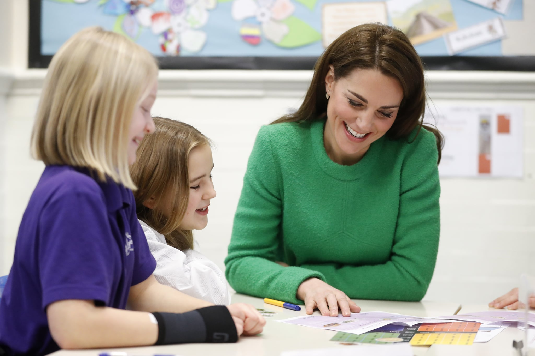 Britain's Catherine, Duchess of Cambridge (R), visits Lavender Primary School in London on February 5, 2019, in support of the children's mental health charity 'Place2Be's Mental Health Week. (Photo by Chris Jackson / POOL / AFP)        (Photo credit should read CHRIS JACKSON/AFP/Getty Images)