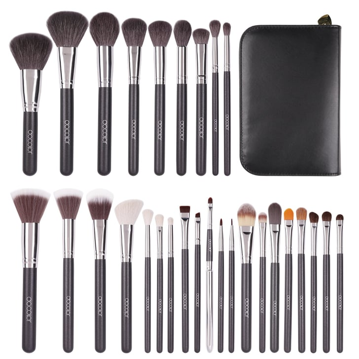 Makeup Brush Set on Sale on Amazon For Cyber Monday 2019