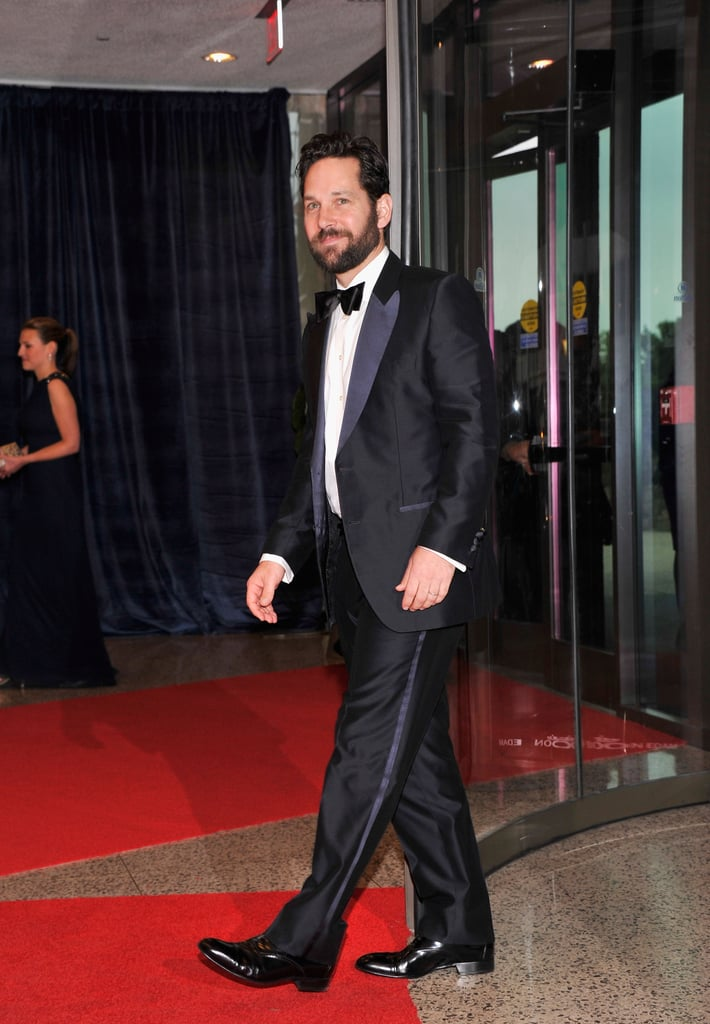 Paul Rudd stepped onto the red carpet looking good in a tux.