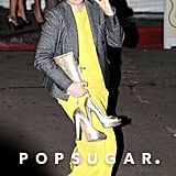 Lena Dunham took off her heels outside a Grammys afterparty in Hollywood.