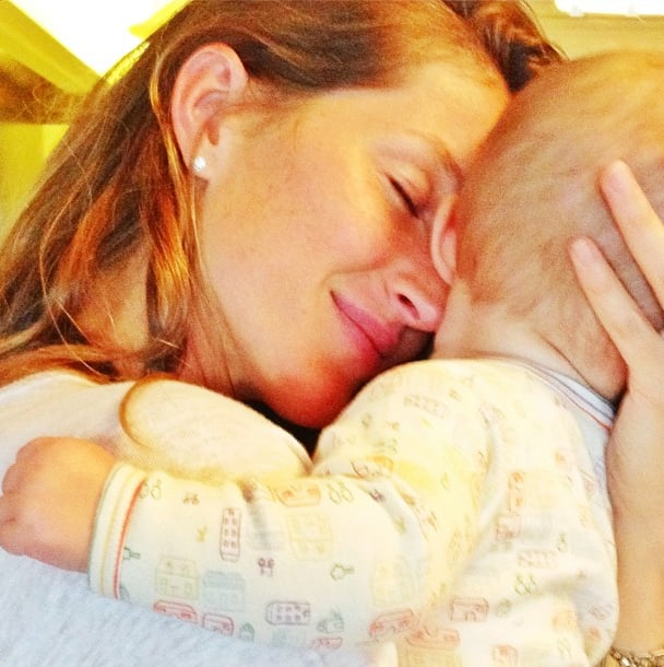 Gisele Bündchen cuddled her daughter, Vivian. Source: Instagram user giseleofficial