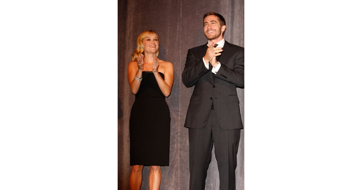 reese witherspoon and jake gyllenhaal took to the stage
