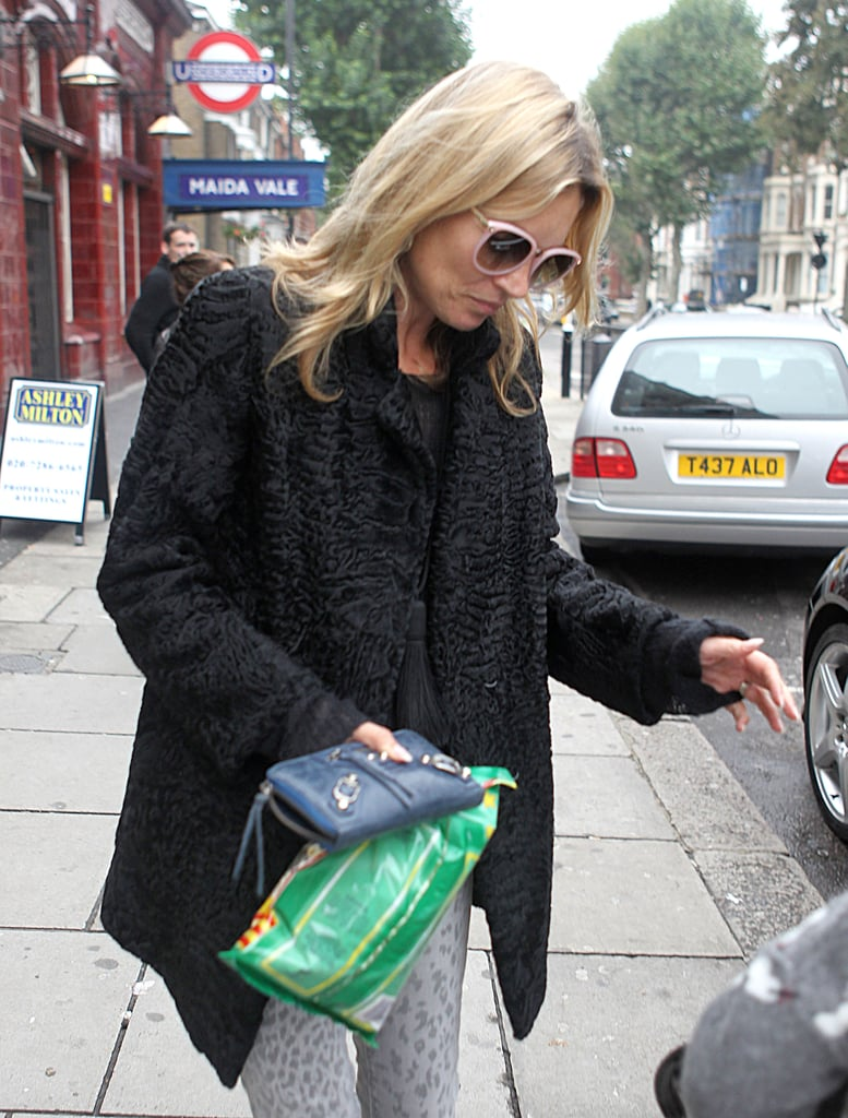 Kate Moss picked up a snack at the store.