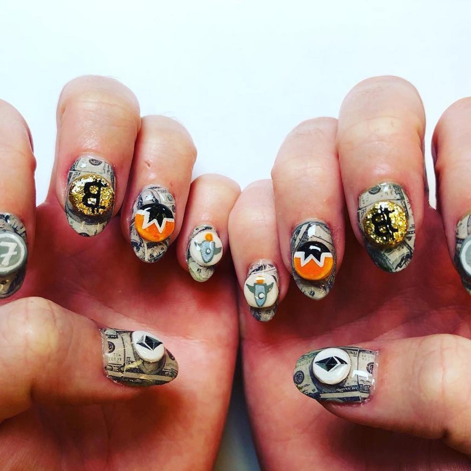 Katy Perry\'s Cryptocurrency Nail Art | POPSUGAR Beauty