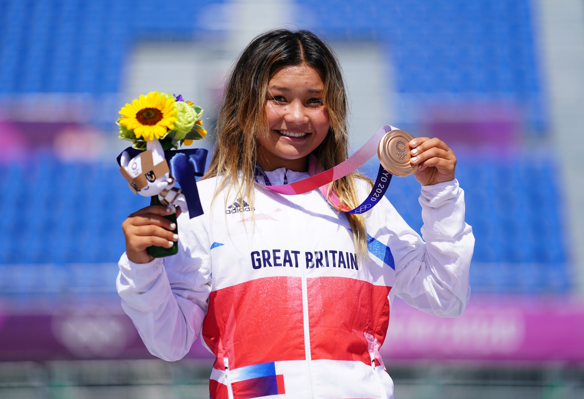 اسکای براون بریتانیای کبیر در دوازدهمین روز بازی های المپیک 2020 توکیو در ژاپن ، کسب مدال برنز را در فینال پارک زنان در پارک ورزشی آریاکه جشن می گیرد.  تاریخ تصویر: چهارشنبه 4 آگوست 2021. (عکس Adam Davy/PA Images via Getty Images)