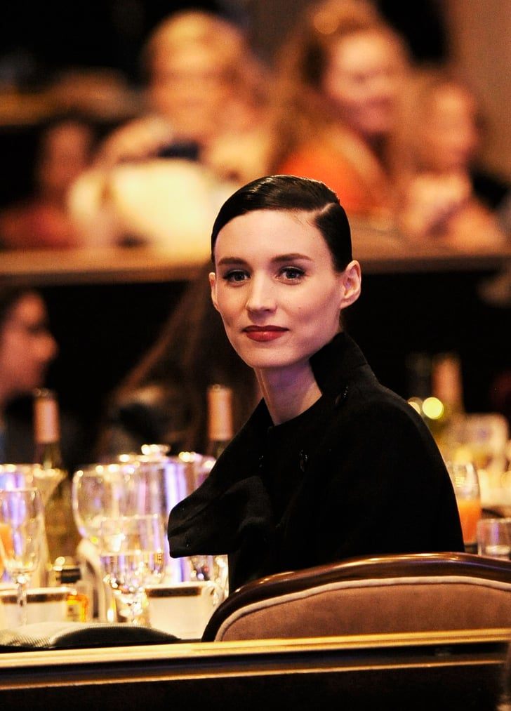 rooney mara sat in the audience at the costume designers guild awards kate beckinsale and. Black Bedroom Furniture Sets. Home Design Ideas