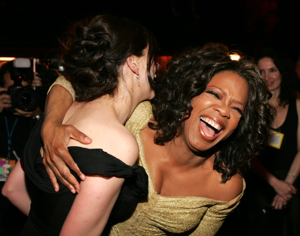 Oprah Winfrey and Julia Roberts cracked up at the Governors Ball in February 2005.