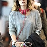 Drew Barrymore wore red headphones.
