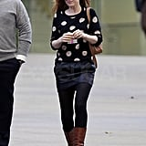 Isla Fisher mixed shades of black and brown.