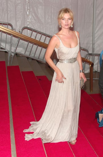What Will Newly Engaged Kate Moss Wear To Wed Jamie Hince On July 2nd?