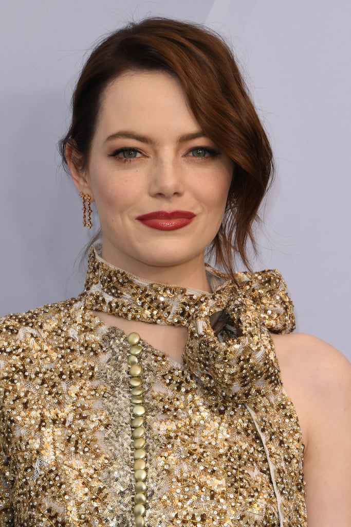 Emma Stone at the 2019 SAG Awards in Bronze Eye Shadow