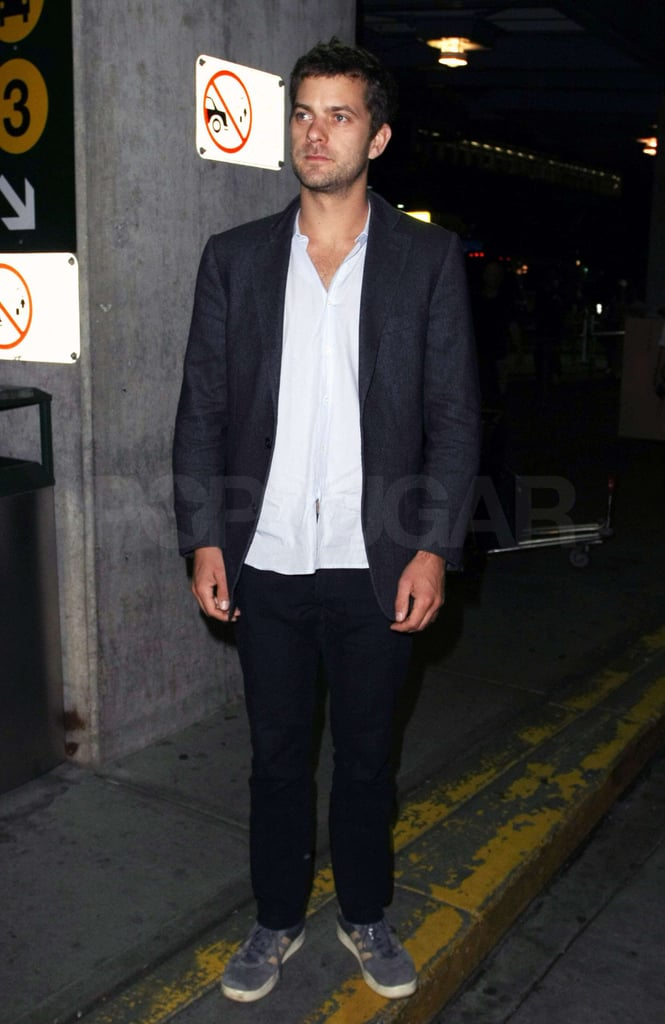 Photos of Joshua Jackson at the Airport