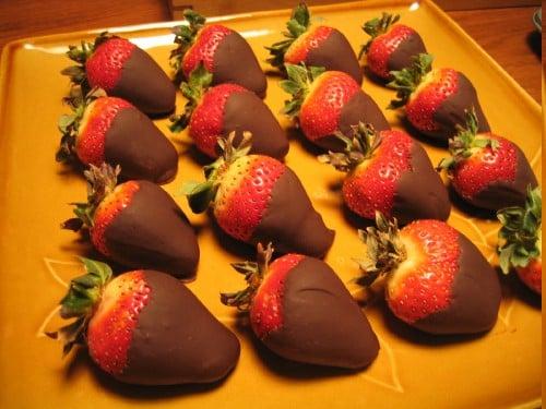 Romantic Dessert: Chocolate Dipped Strawberries