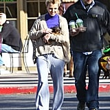 Britney Spears carried her dog to Starbucks.