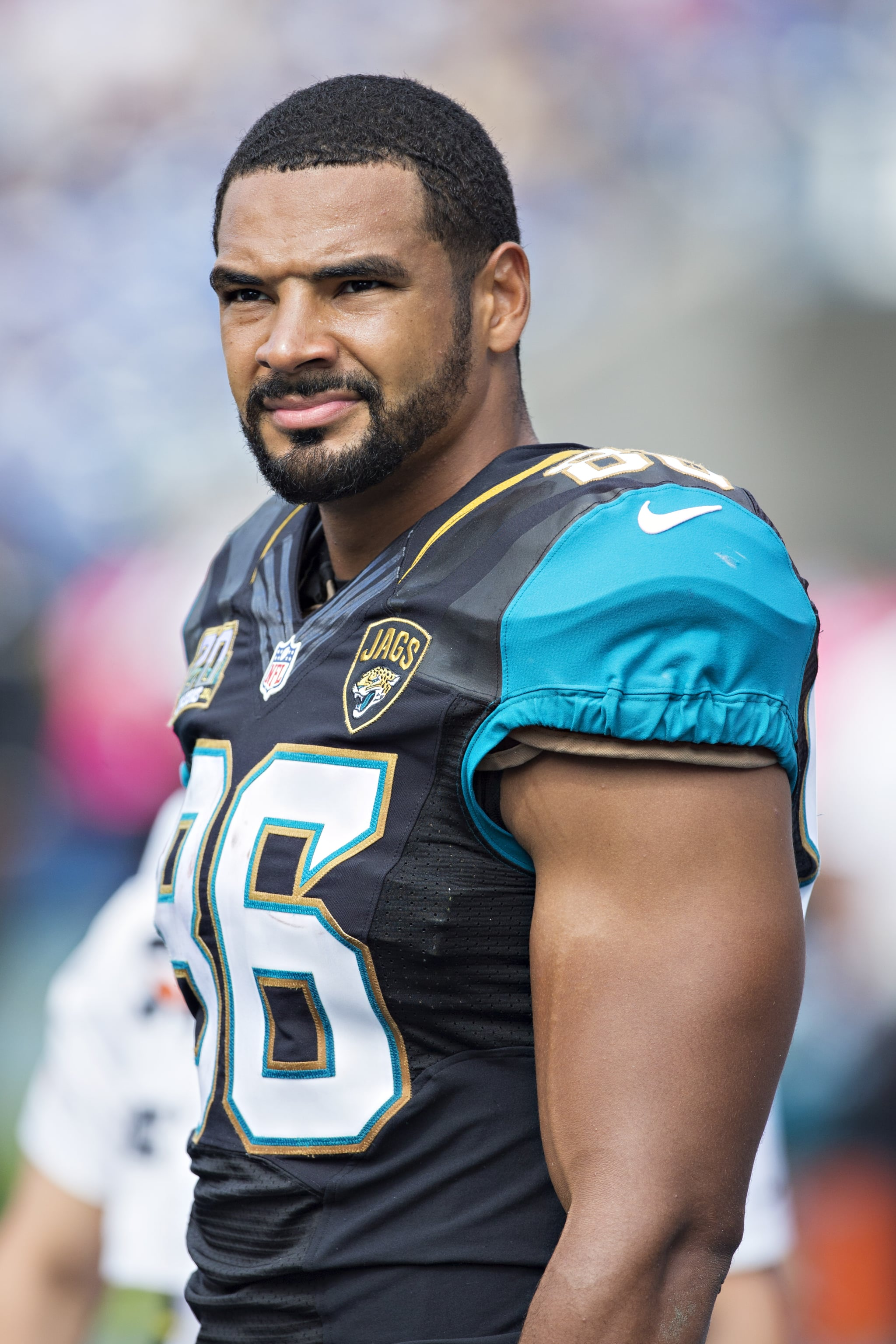 NASHVILLE, TN - OCTOBER 12:  Clay Harbor #86 of the Jacksonville Jaguars on the sidelines during a game against the Tennessee Titans at LP Field on October 12, 2014 in Nashville, Tennessee.  The Titans defeated the Jaguars 16-14.  (Photo by Wesley Hitt/Getty Images)