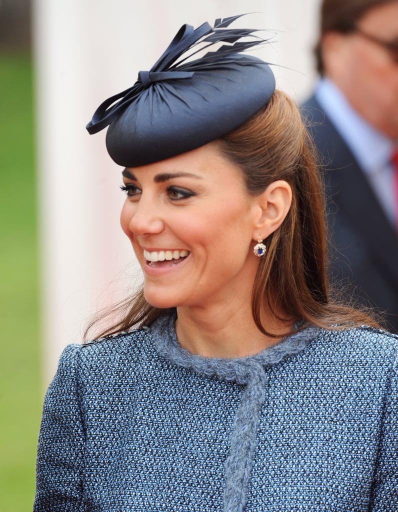 في عام 2012، وخلال زيارتها إلى حديقة فيرنون اختارت قبّعة جميّلة مزيّنة بشريطة من تصميم راتشيل تريفور-مورغان، تتناسب مع سترة التويد.