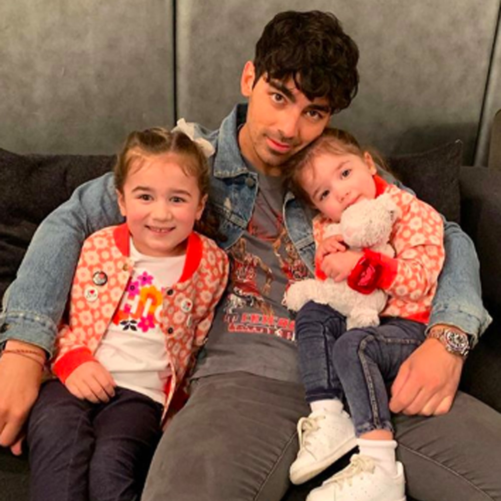 Joe Jonas With Nieces Alena and Valentina Pictures | POPSUGAR Celebrity UK