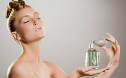 How To:  The Proper Way to Apply Perfume