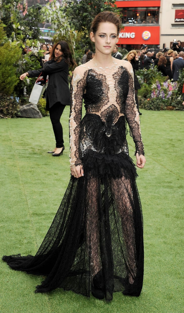 kristen stewart 39 s marchesa gown at the uk premiere of snow white and sexiest red carpet. Black Bedroom Furniture Sets. Home Design Ideas
