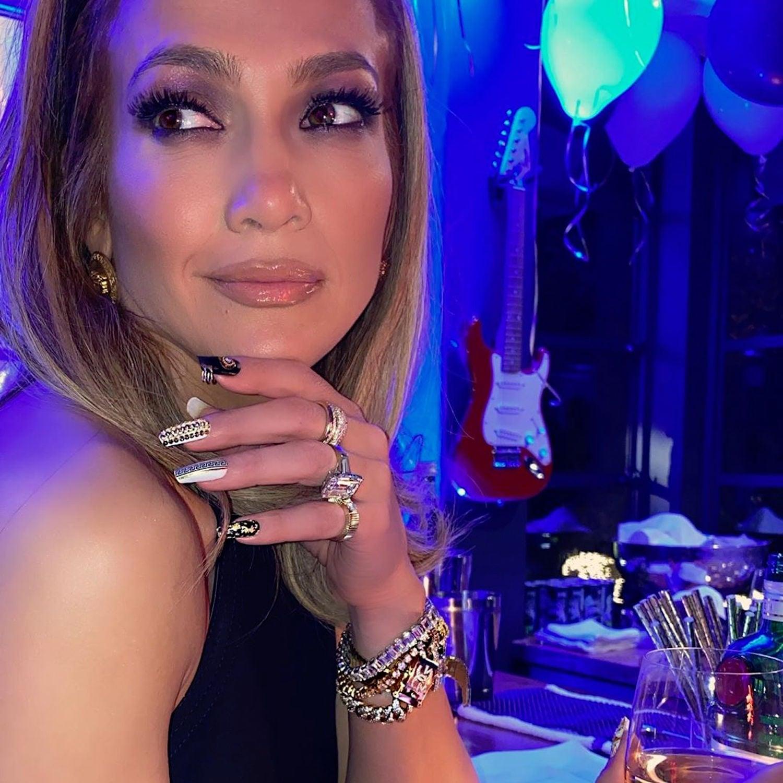 Jennifer Lopez\u0027s New Year\u0027s Eve Nail Art Is So Glam