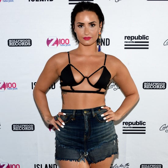 Demi Lovato's Abs Pictures
