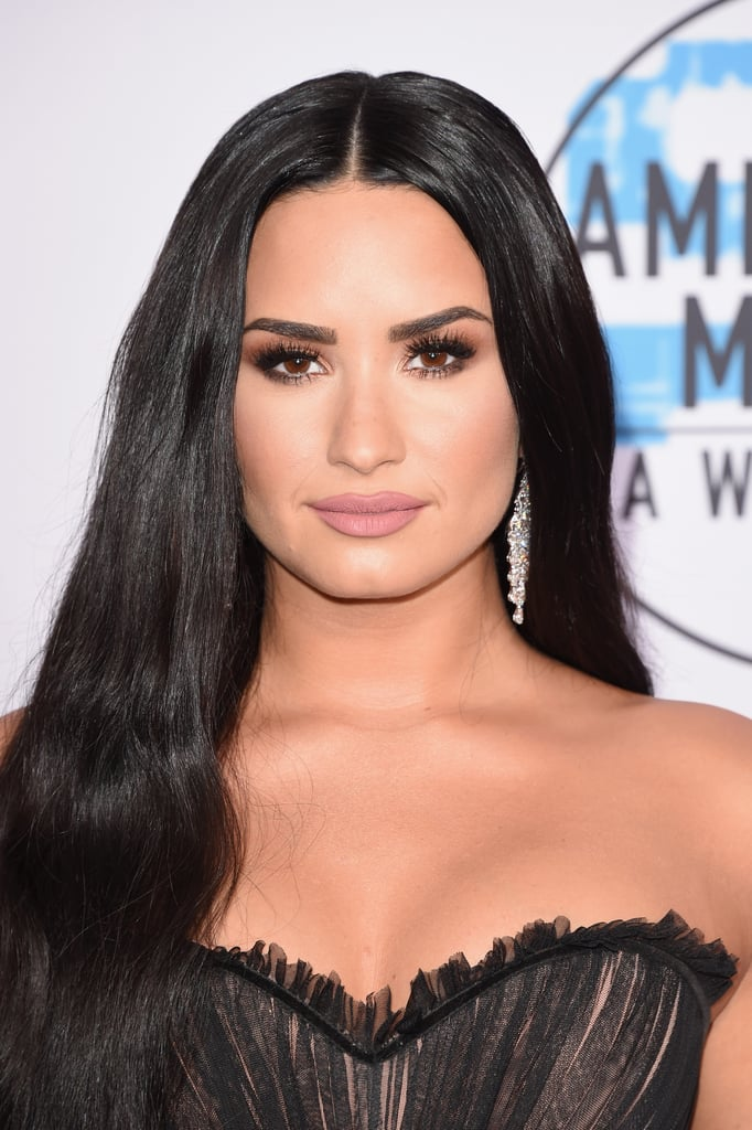 Demi Lovato's Long Hair at the 2017 AMAs