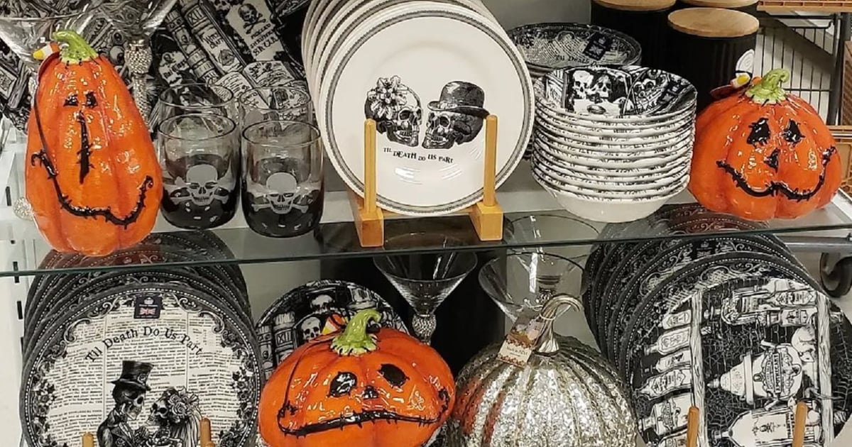 HomeGoods Is Already Stocked With Halloween Decorations, So Say Goodbye to Summer!