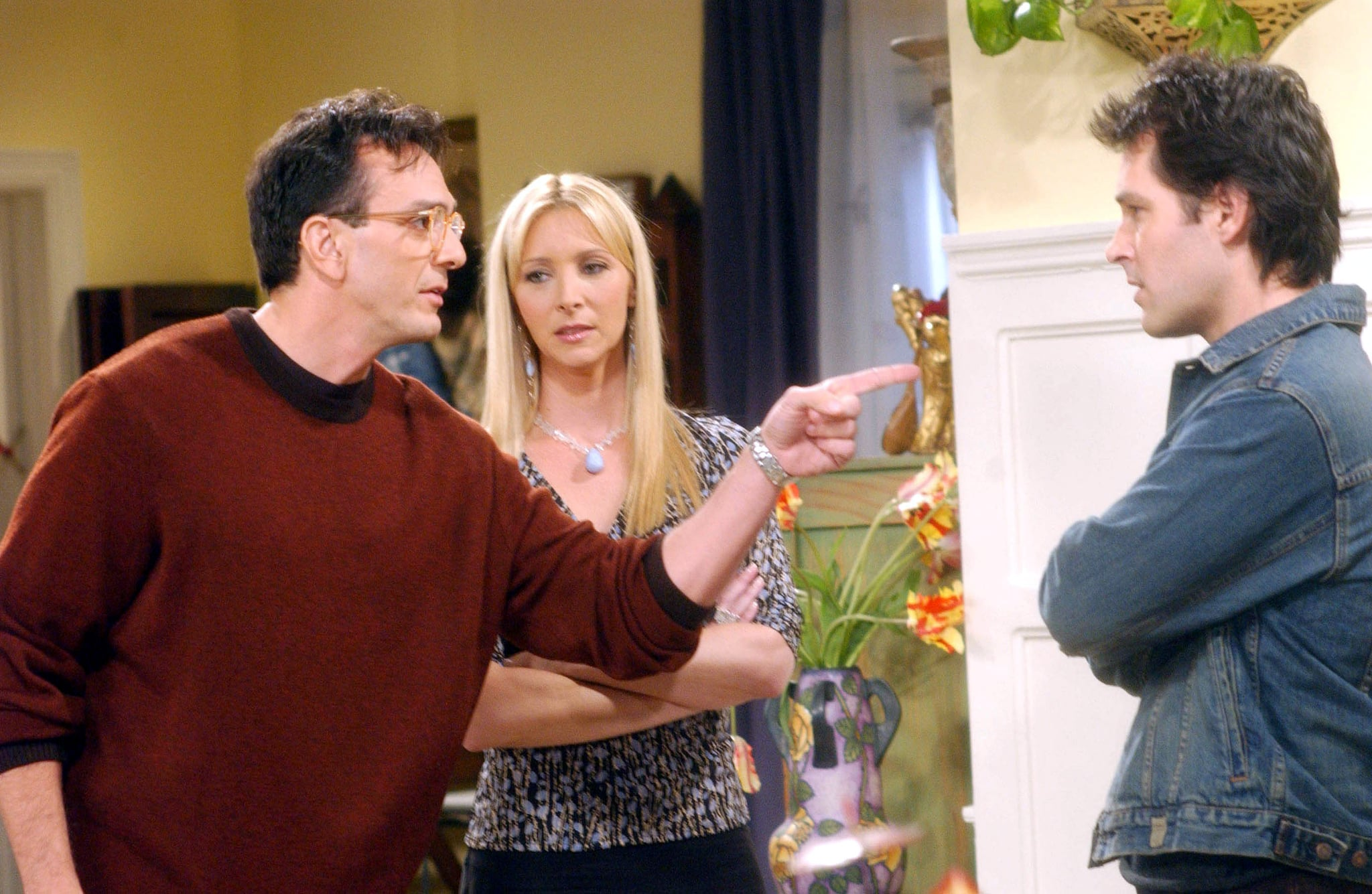 FRIENDS, Hank Azaria, Lisa Kudrow, Paul Rudd, 'The One With The Male Nanny (200th episode)' (Season 9, epis. #906), 1994-2004,  Warner Bros. / Courtesy: Everett Collection