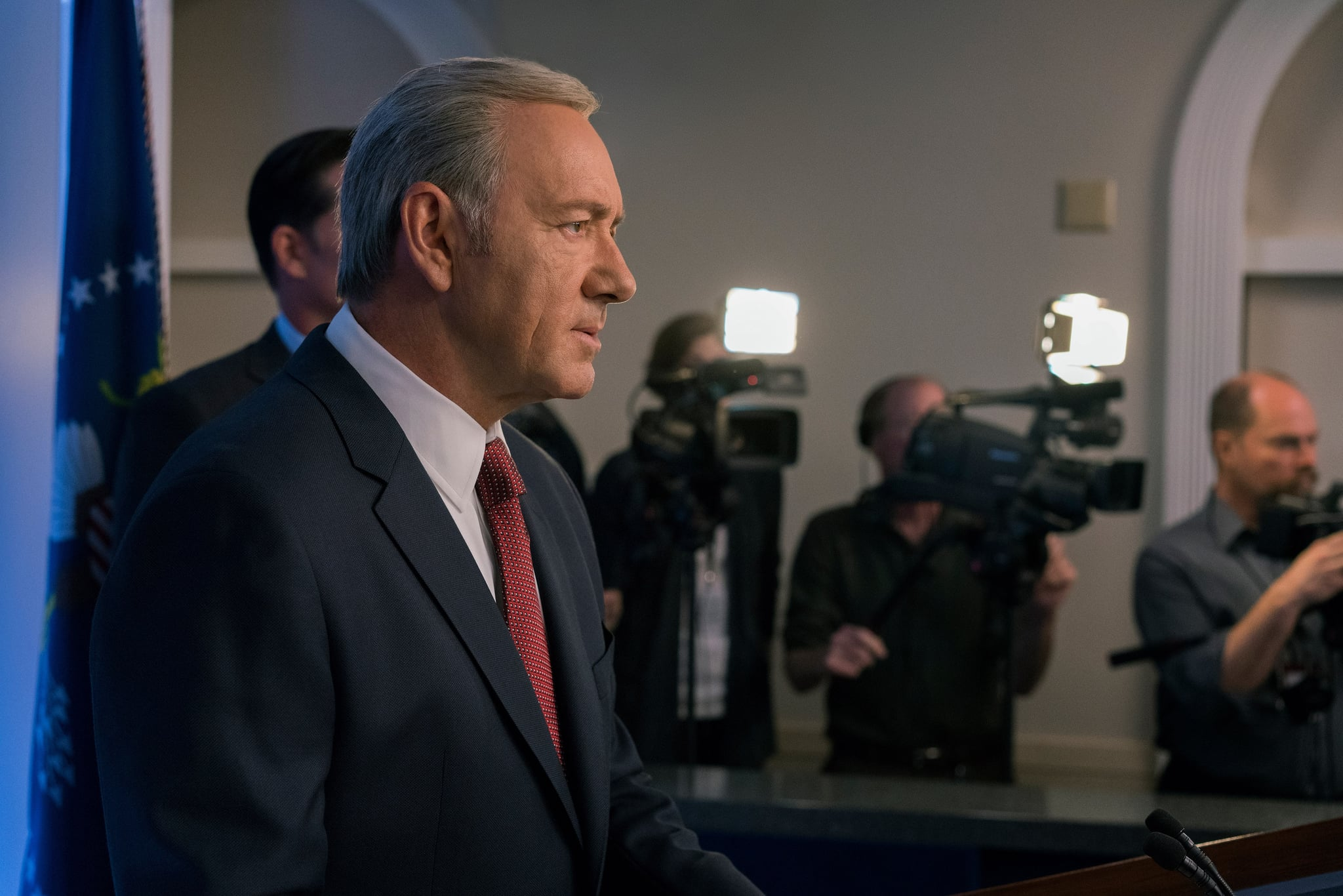 House of Cards Creator Finds Dark Similarity Between Trump and Frank Underwood PopsugarCultureDonald TrumpHouse of Cards Creator on Trump Afghanistan SpeechHouse of Cards Creator Finds Dark Similarity Between Trump and Frank Underwood August 26, 2017 by Ann-Marie Alcántara First Published: August 22, 2017 13 Shares Chat with us on Facebook Messenger. Learn what's trending across POPSUGAR. If there's one person who can see through deceptive speech writing and policy wringing, it might be Beau Willimon, the creator of House of Cards. The man who created the fictional, devious character of Frank Underwood noticed a similarity between him and President Donald Trump during the president's speech on Afghanistan on Aug. 21. Willimon also called out Trump's speech as an attempt to distract the public from the president's comments on the events in Charlottesville, VA, as well as the ongoing Russia investigation. Willimon took issue with Trump's new commitment to send more troops to Afghanistan. In a series of tweets, - 웹