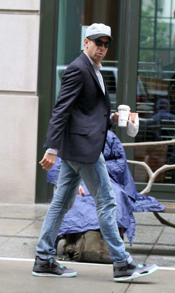 Jason Sudeikis headed into a press day for We're the Millers in NYC.