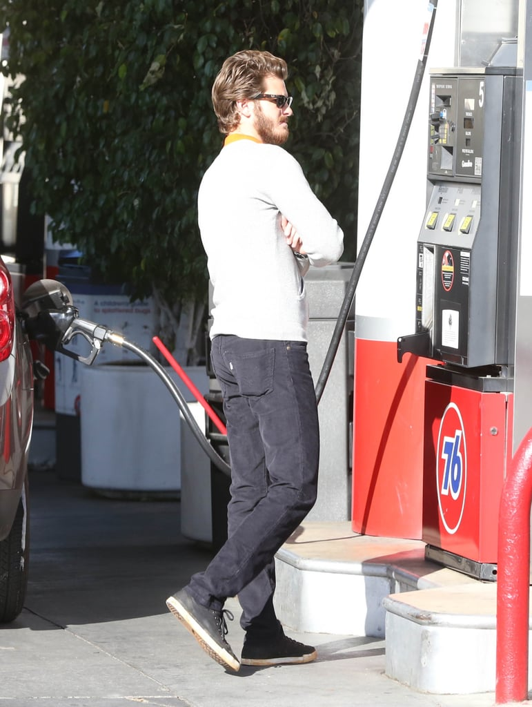Andrew Garfield refueled at a 76 station.