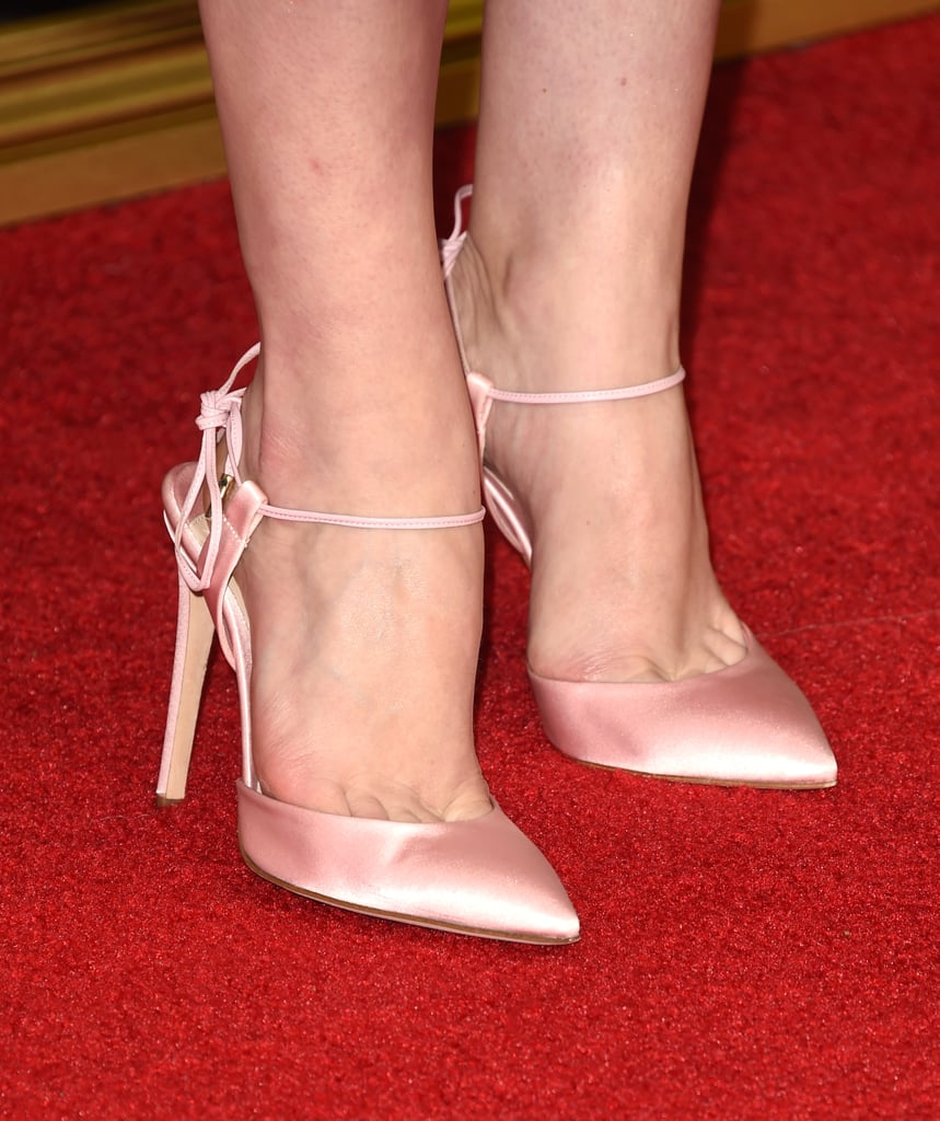 Elisabeth Moss's Emmys Shoes Had the Greatest Message of All Time Stamped on the Bottom