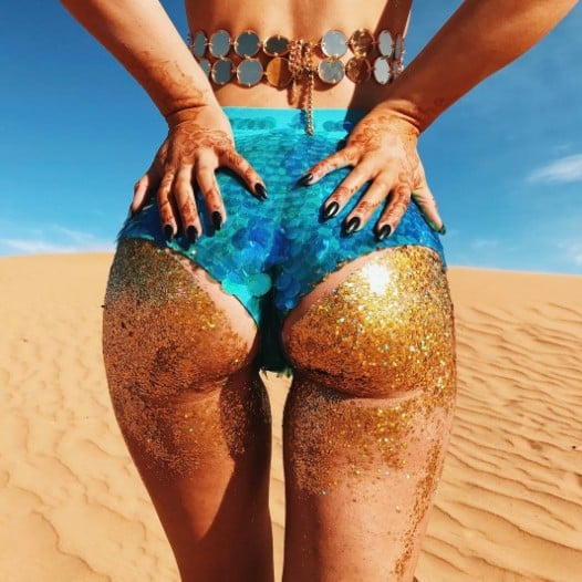 Women Are Wearing Glitter on Their Butts to the Beach