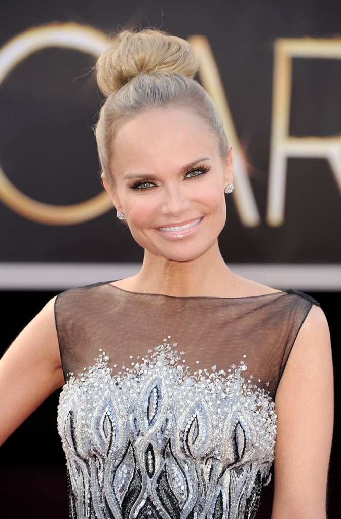Kristin Chenoweth on the red carpet at the Oscars 2013.