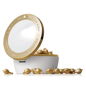 New Product Alert: Elizabeth Arden Ceramide Gold Ultra Restorative Capsules Intensive Treatment for Face and Throat (Whew!)
