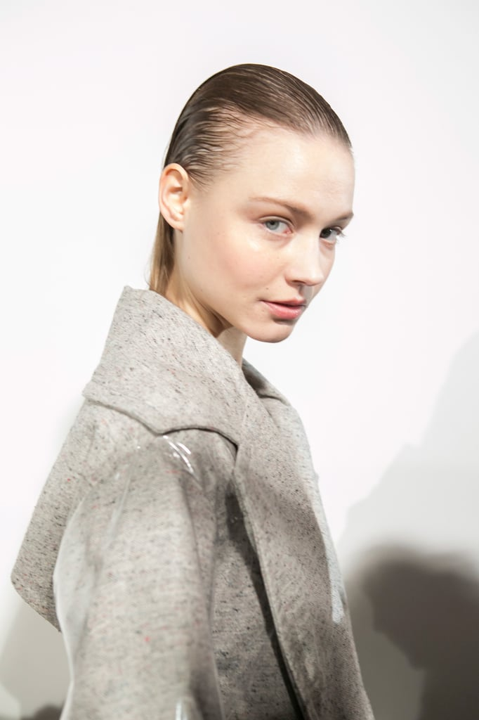Teatum Jones Created A Cool Update On The Trench Coat: Hair And Makeup Fall 2017