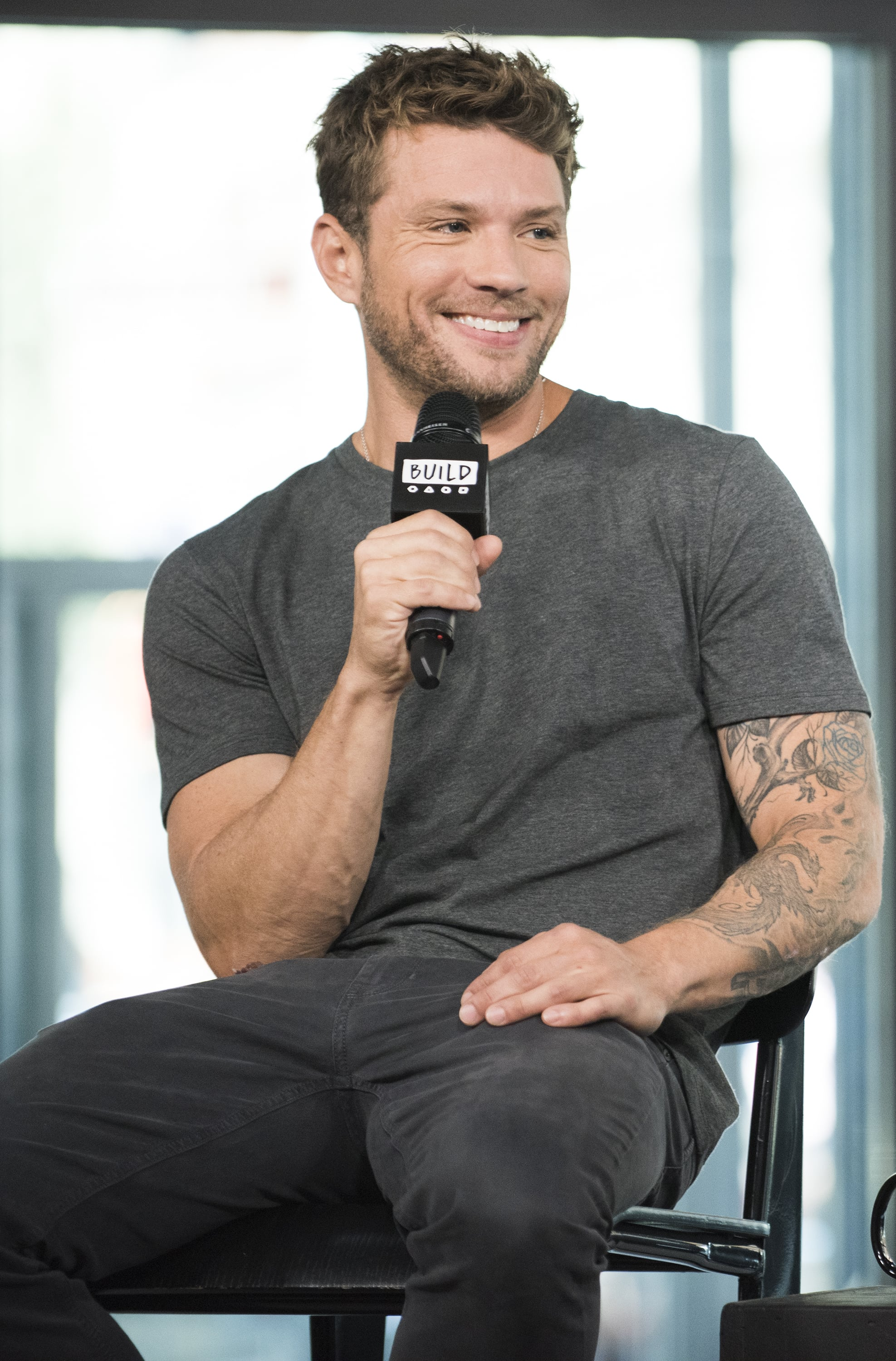 Ryan Phillippe's Thoughts on Pineapple Pizza | POPSUGAR Food Ryan Phillippe