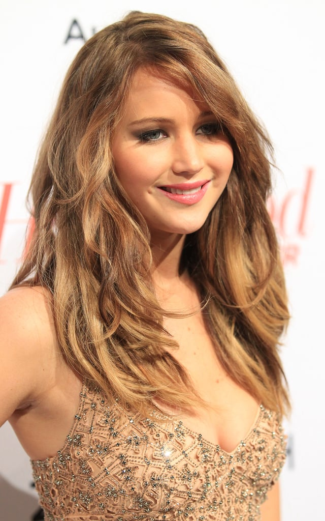 Jennifer Lawrence wore her hair in loose waves.