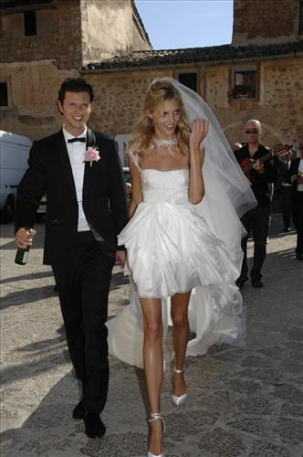 >> Anja Rubik wed longtime boyfriend (and fellow model) Sasha Knezevic over the weekend at a church in Deia on the Spanish island of Mallorca. Peter Dundas (who designed Rubik's custom Pucci wedding dress), plus Maryna Linchuk and boyfriend Salvatore Morale, were all in attendance for the intimate festivities.