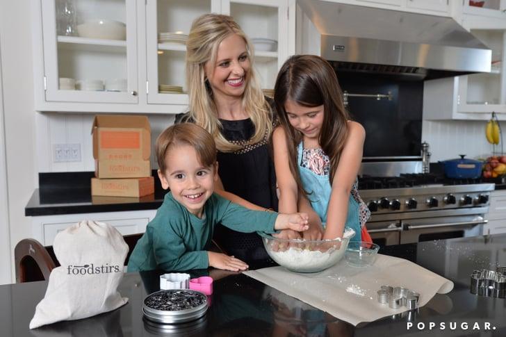 Sarah Michelle Gellar in the Kitchen With Her Kids ...