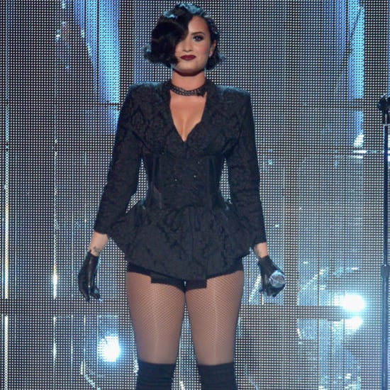Demi Lovato Performing at the 2015 AMAs Pictures