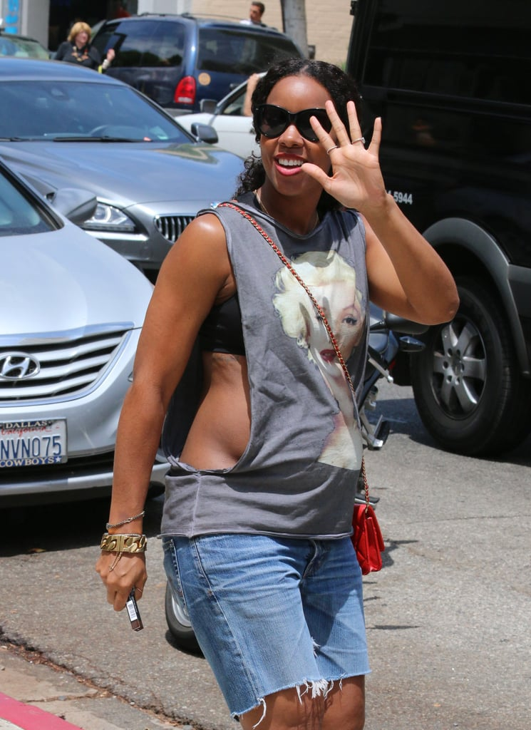 Kelly Rowland Shows Off Her Growing Baby Bump