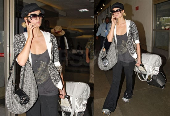 Photos of Paris Hilton Arriving at LAX 2008-08-14 14:30:00