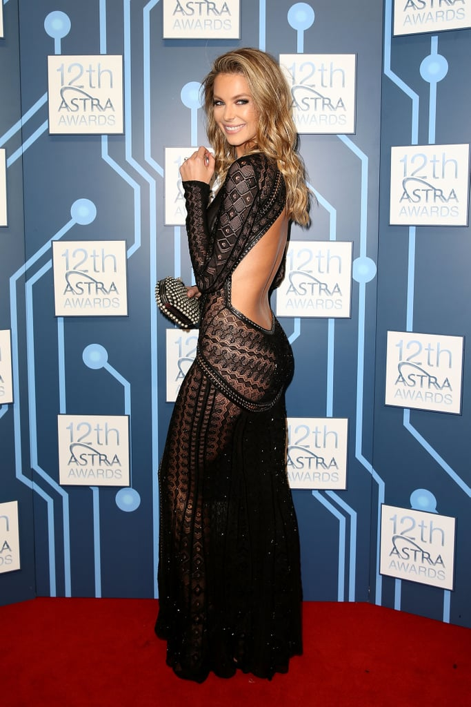 Jennifer showed skin at the ASTRA Awards in Mar. 2014.
