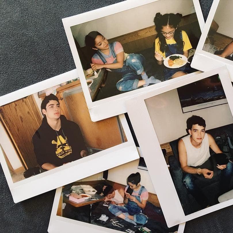 To All The Boys I Ve Loved Before Movie Cast Photos Popsugar Celebrity