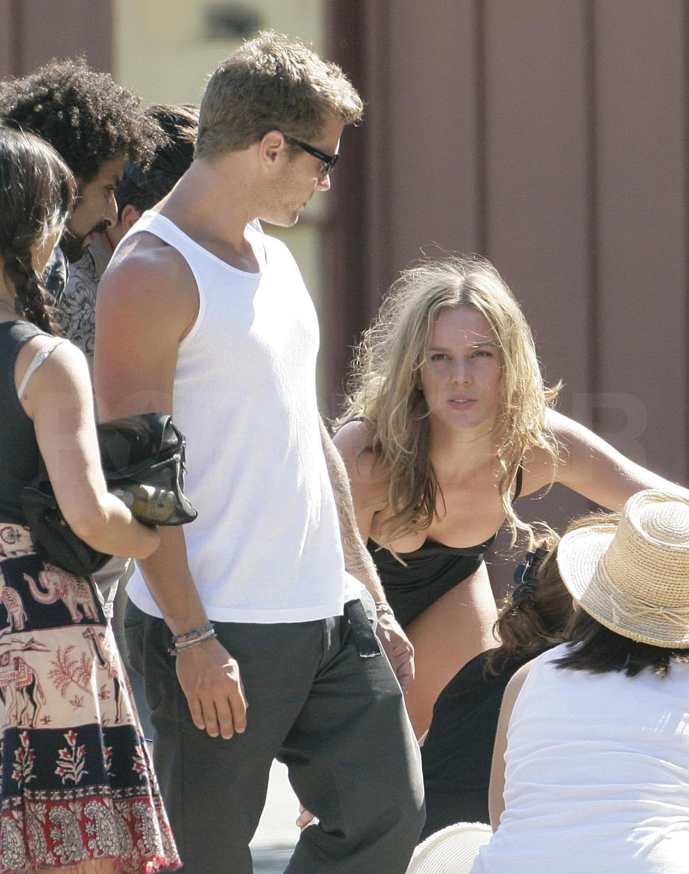 Shirtless Photos of Ryan Phillippe Kissing Abbie Cornish ... Abbie Cornish Ryan Phillippe
