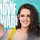 Kristen Stewart waved at the MTV Movie Awards.