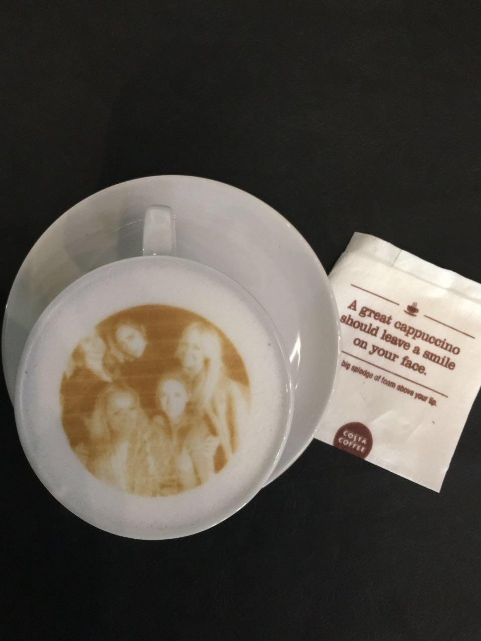 فن الرسم على القهوة في مقهى كوستا Popsugar Middle East Food